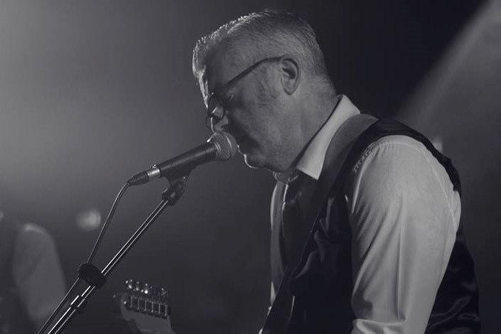 Simon Lane en concert chez Vins et Flots le 11 Septembre 2019