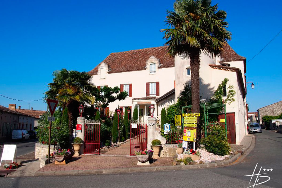 hostellerie-des-ducs-entree